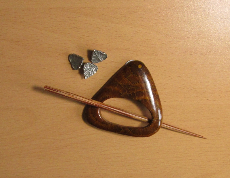 Shawl Pin and Leaf Buttons
